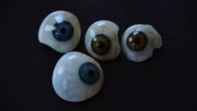 Glass eyes from Lauscha